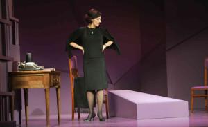 Natalia Millán como Carmen Sotillo en 'Cinco horas con Mario'